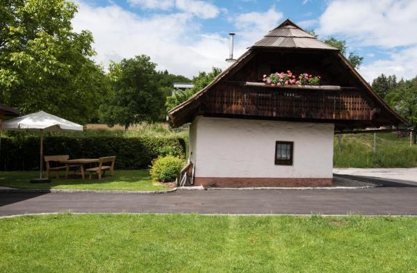 Hotelbilleder: Ferienhaus Toff, Schiefling am See