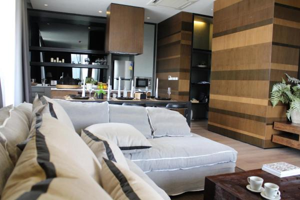 Two-Bedroom Luxury Suite with Private Pool