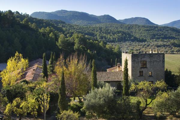 Hotel Pictures: La Torre del Visco - Relais & Châteaux, Fuentespalda