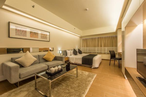 Executive Queen Apartment