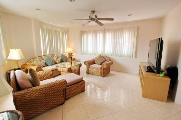 One-Bedroom Deluxe Apartment with Pool View