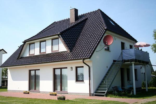 Hotel Pictures: Ferienwohnung am Dorfrand, Wieck