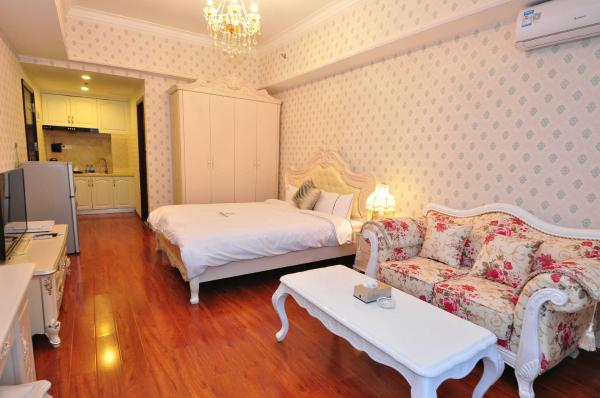 Family Suite (two bedrooms with living room)