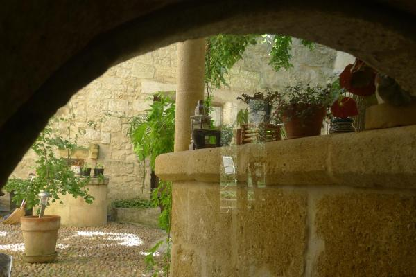 Hotel Pictures: , Montfrin