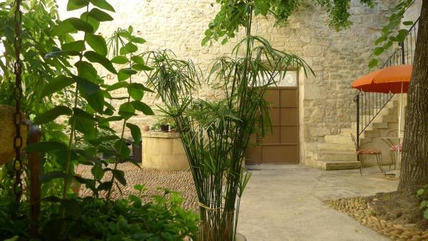 Hotel Pictures: Gîtes la Tarente, Montfrin