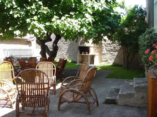 Hotel Pictures: Villa - Puilacher, Le Pouget
