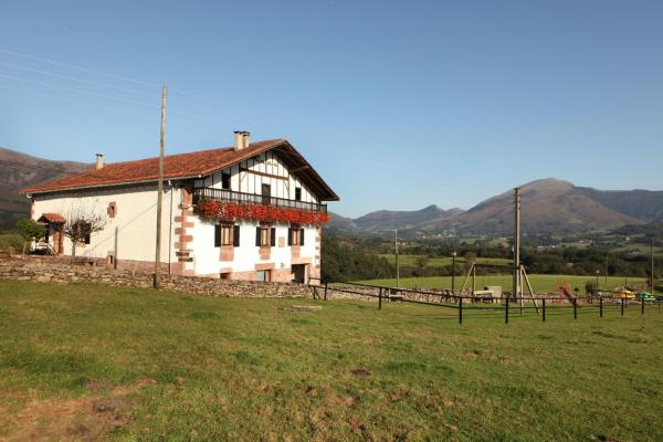 Hotel Pictures: Casa Rural Petisansenea, Zuaztoy de Azpilcueta