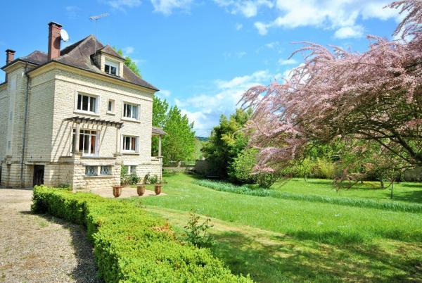Hotel Pictures: Joigny, Cézy