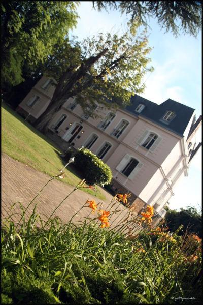 Hotel Pictures: , Neauphle-le-Château