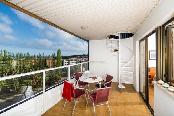 Apartment with Balcony (2 Adults + 4 Children)