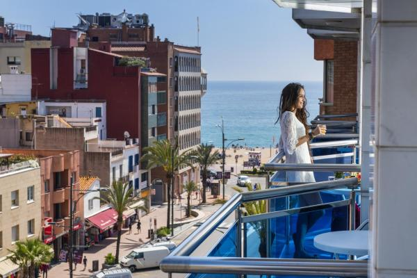 Hotel Pictures: Apartaments Blau, Lloret de Mar