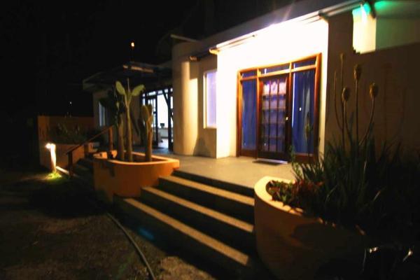 Hotel Pictures: Lava Lizard Guesthouse, Puerto Villamil