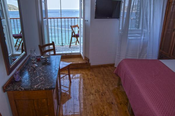 Double Room with Balcony and Sea View 1