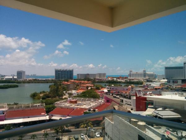 Double Room with Balcony Lagoon View