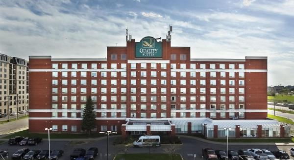 Hotel Pictures: Quality Suites Montreal Airport, Dorval