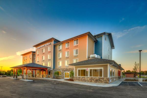 Hotel Pictures: Days Inn & Suites - Lindsay, Lindsay