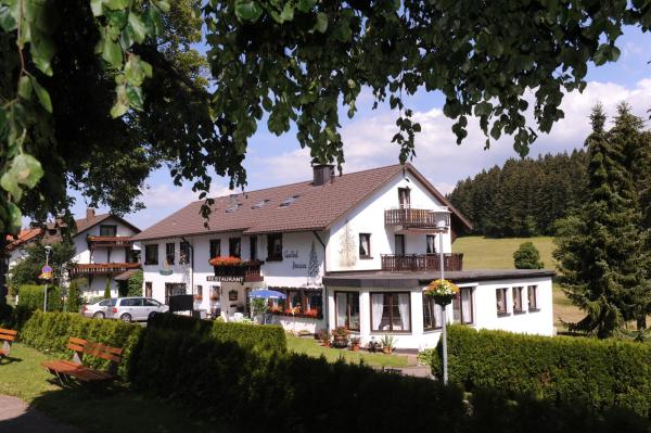 Hotel Pictures: Gasthof Schwarzwaldtanne, Schönwald