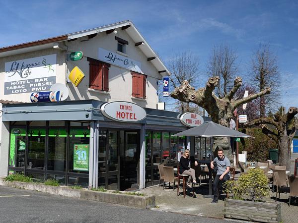 Hotel Pictures: La Hourquie Café, Morlaas