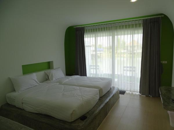 Standard Twin Room with Terrace