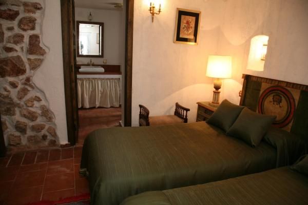 Double Room with Private Bathroom - Ground Floor