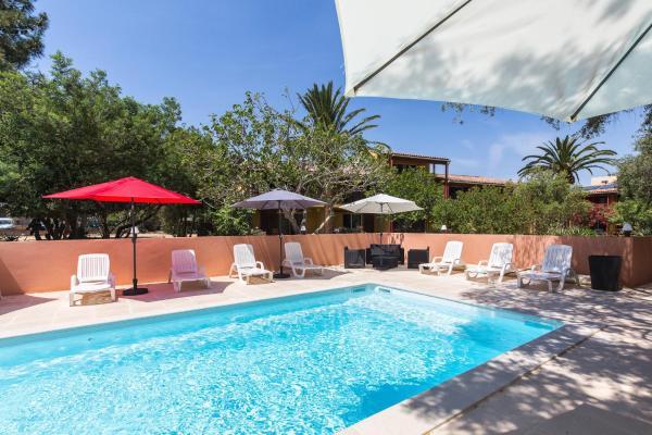 Hotel Pictures: Casa Vecchia, Calvi