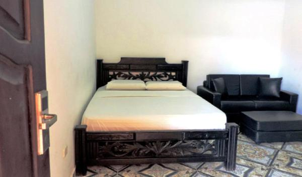 Bed in 4-Bed Mixed Dormitory Room with Air Conditioning