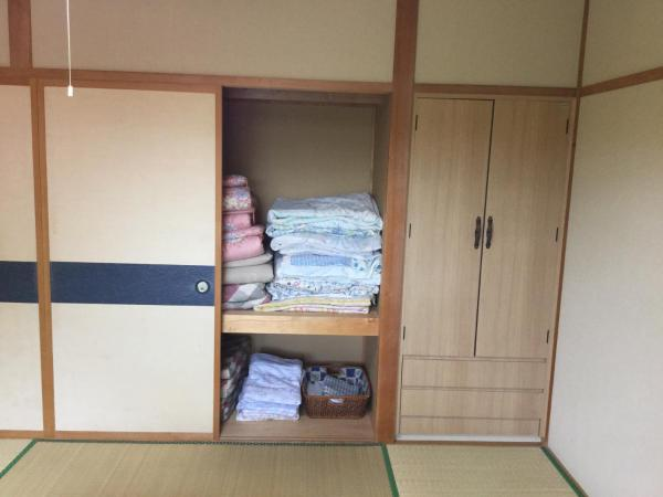 Economy Japanese-Style Quadruple Room with Shared Bathroom - Non-Smoking