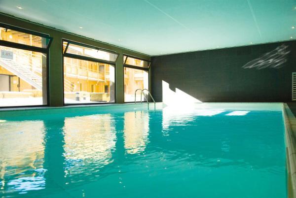 Hotel Pictures: Lagrange Vacances Le Pic de l'Ours, Font-Romeu