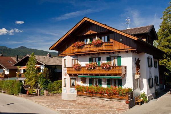Hotelbilleder: Ferienwohnung Ferienglück, Krün
