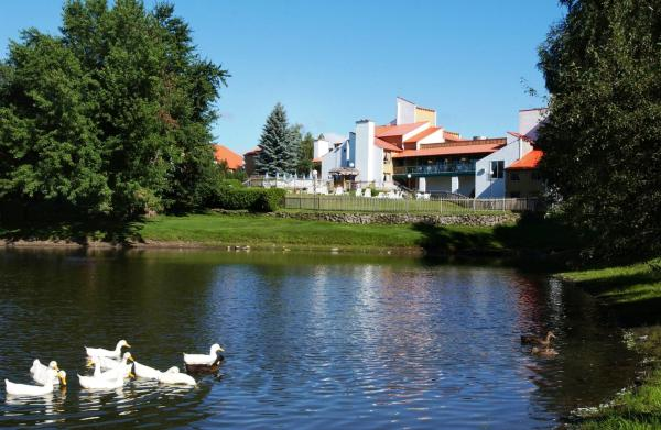 Hotel Pictures: Hotel Cheribourg, Magog-Orford