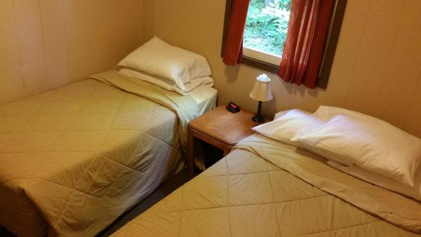Large Deluxe Two-Bedroom Cabin