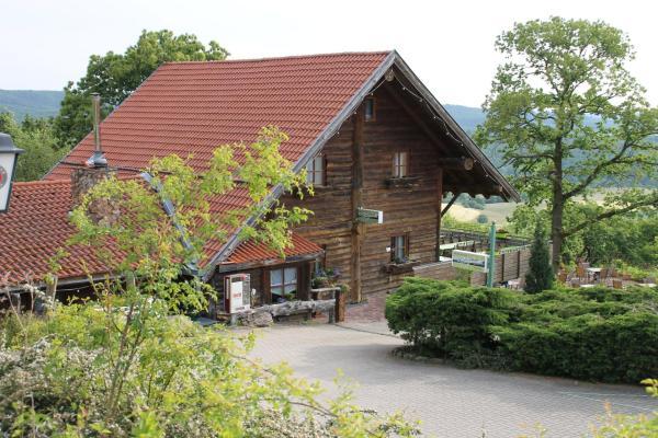 Hotelbilleder: Kastanienhof Apartment und Restaurant, Dannenfels