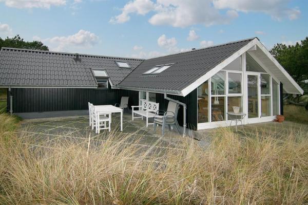 Fotos de l'hotel: Three-Bedroom Holiday Home Nålevej with a Sauna 04, Fanø