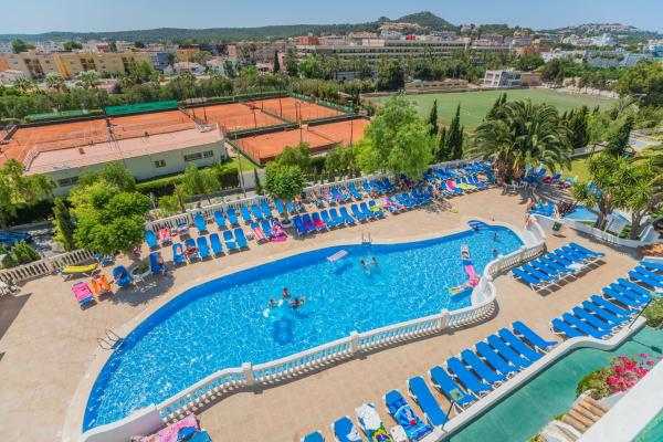 Hotel Pictures: Aparthotel Holiday Center, Santa Ponsa