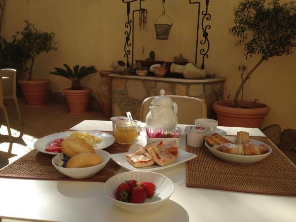 Hotel Pictures: Zingaro Hotel, San Vito lo Capo