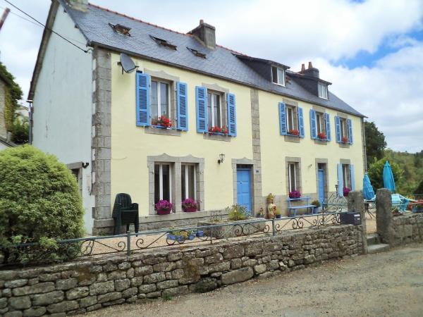 Hotel Pictures: Laura's Chambres d'Hôtes, Huelgoat