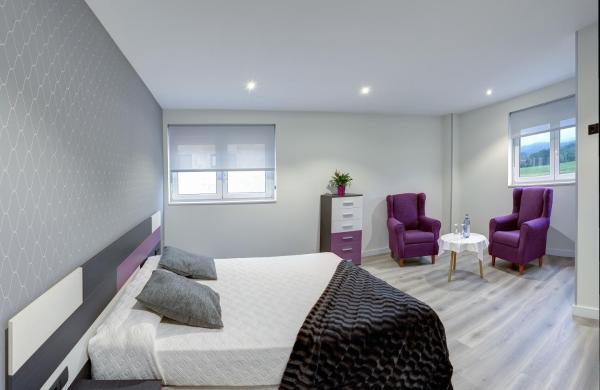 Hotel Pictures: Apartamentos La Albarca, Hoznayo