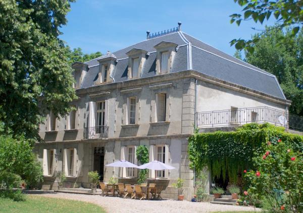 Hotel Pictures: Château de Dournes, Blan