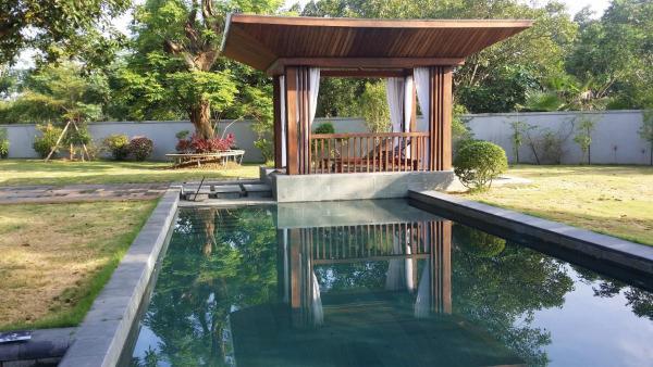 Oriental Villa with Private Pool