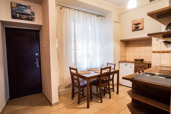 One-Bedroom Apartment - 13 Stolarska Street