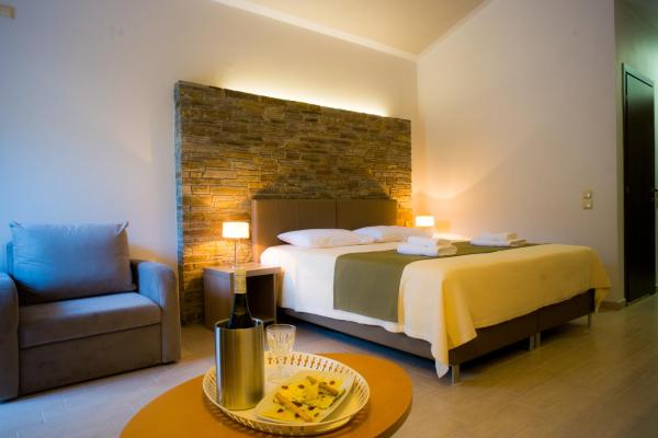 Double or Twin Room with Veranda and Mountain view