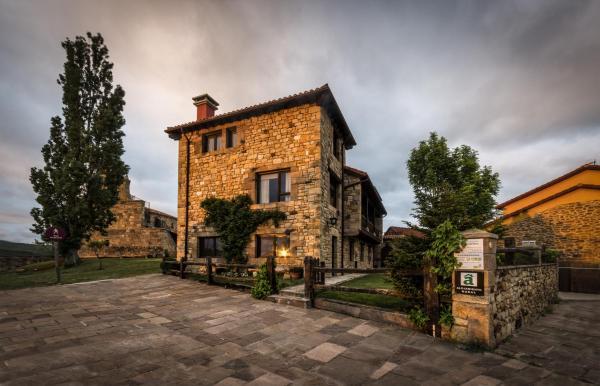 Hotel Pictures: Centro de Turismo Rural La Coruja del Ebro, Valderredible
