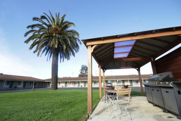 Фотографии отеля: Golden Palms Motel, Джилонг