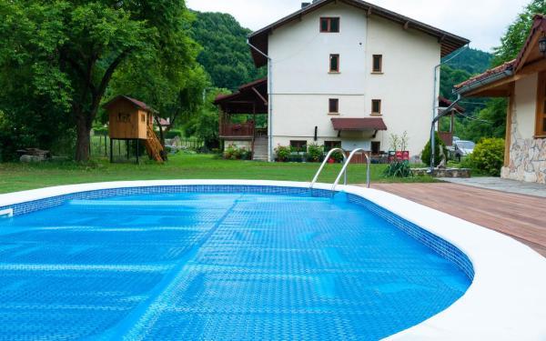 Hotellikuvia: Villa Don Maro, Ribarica