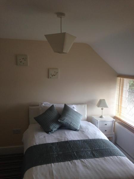 Small Double Room - Weston