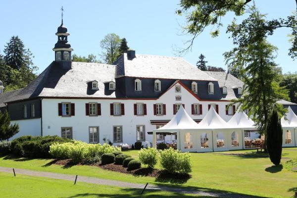 Hotel Pictures: Hotel Schloss Auel, Wahlscheid