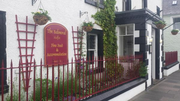 Hotel Pictures: Balmoral Hotel, Moffat