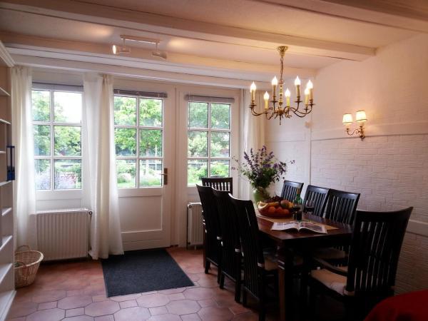Hotelbilleder: Ferienwohnung Landhaus Bais, Malente