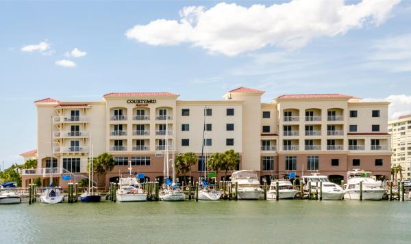 Hotel Pictures: Courtyard by Marriott St. Petersburg Clearwater/Madeira Beach, St Pete Beach