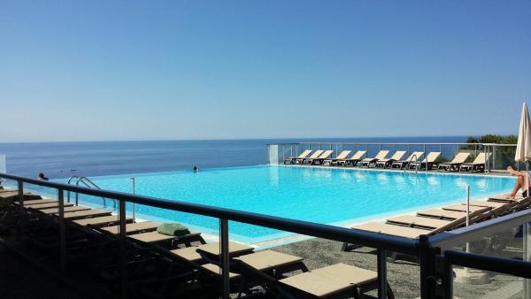 Hotel Pictures: Overlooking Montecarlo (costaplana1), Cap dAil